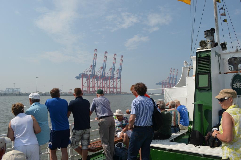 1630_Ausflugsfahrt_zum_Jade_Weser_Port.1024