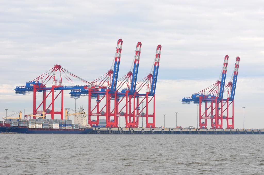 1764_Der_Jade_Weser_Port_in_Wilhelmshaven.1024