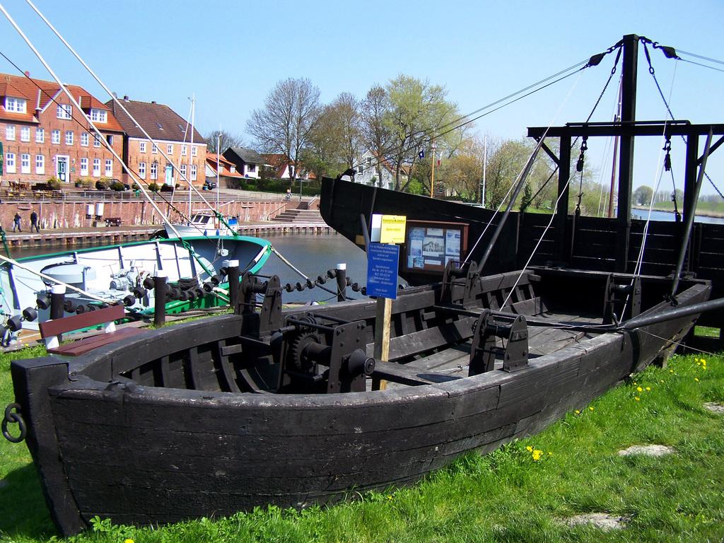 Am Hafen von Hooksiel