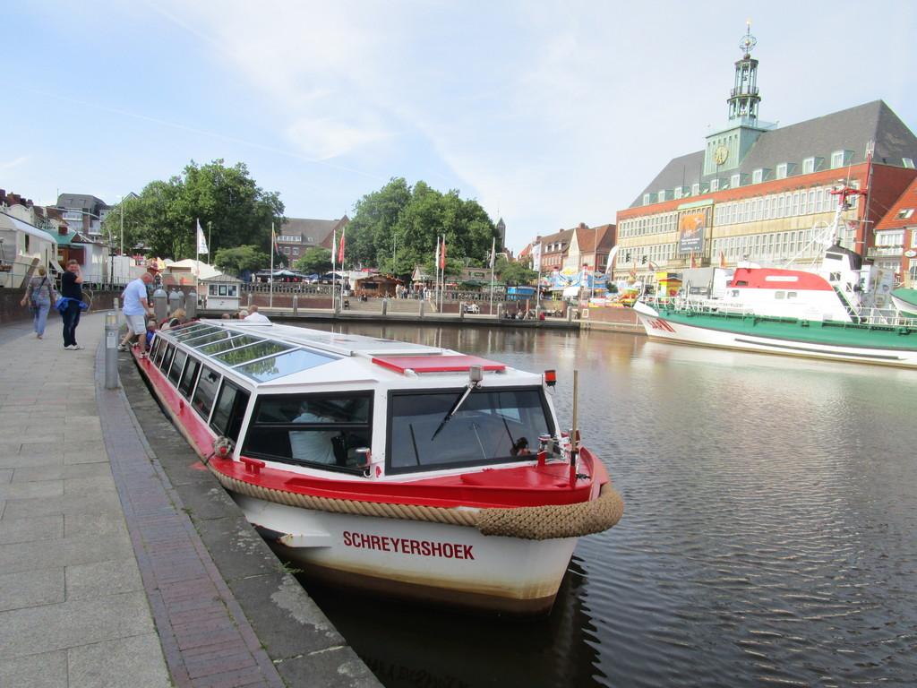 4587_Grachtenfahrt_in_Emden.1024