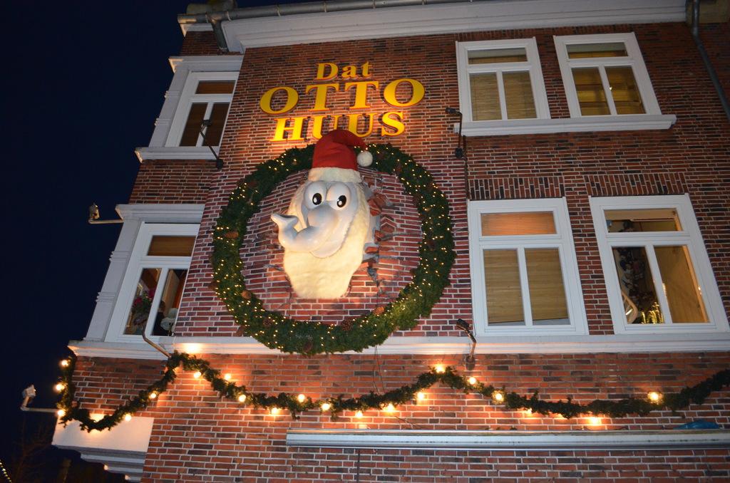 98_Dat_Otto_Huus_in_Emden.1024