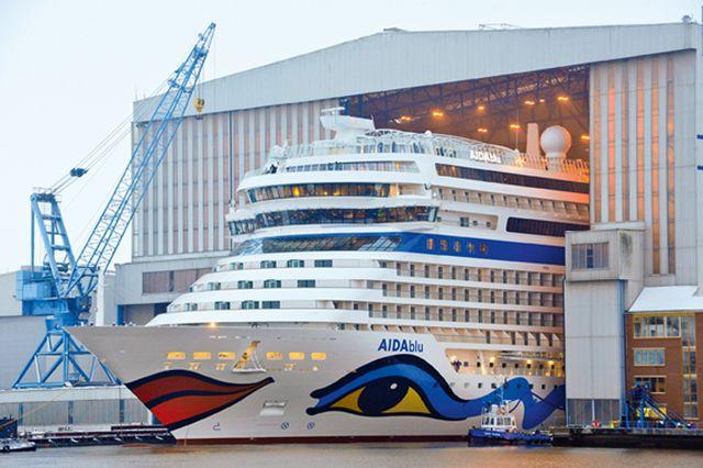 Audocken der Aida auf der Meyer Werft Papenburg
