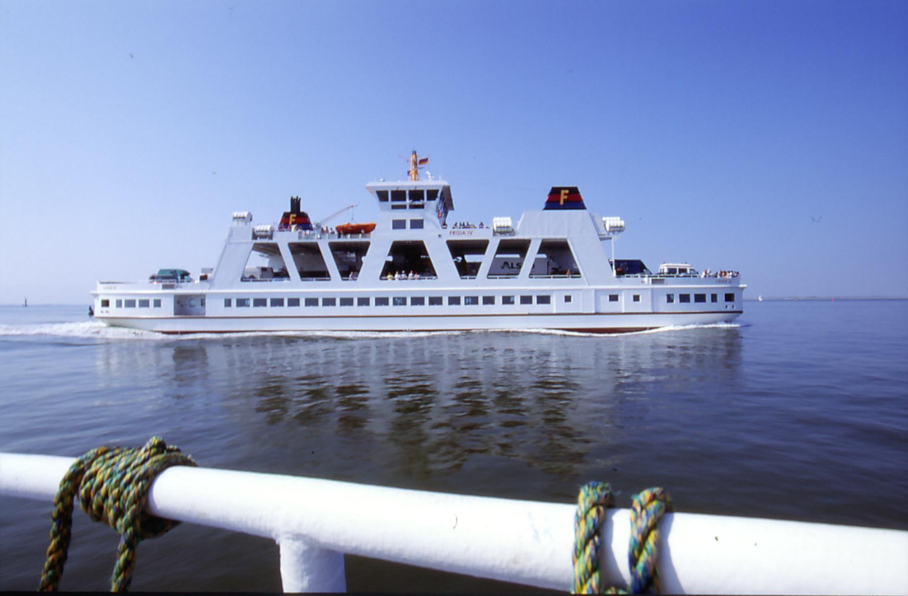 Schifffahrt nach Norderney-FRISIA IV c - Copyright SKN